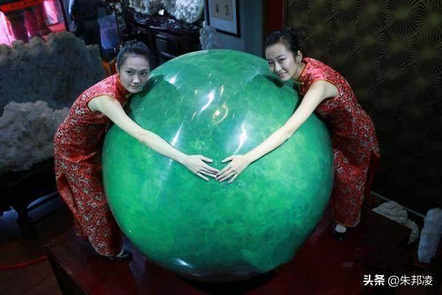 """全球最大夜明珠出世!重达6.5吨,价值20多亿,被誉""""黄河明珠"""""""